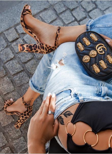 Sandały damskie – modne i stylowe buty na letni czas